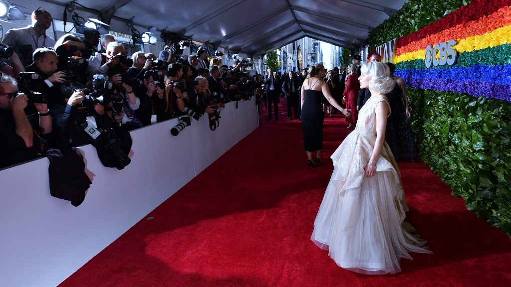 Tony Awards red carpet with photogs